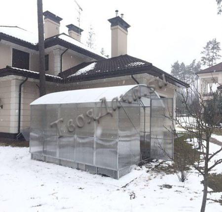 Купить прямостенную теплицу в Москве